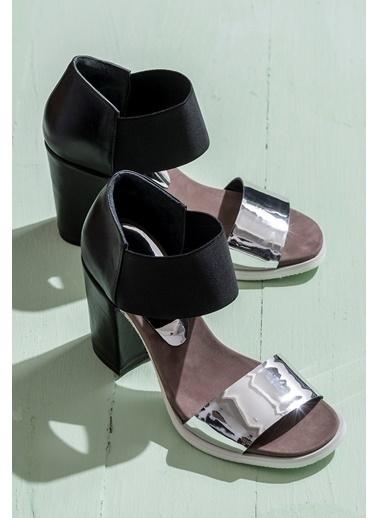 Elle Kalın Topuklu %100 Deri Ayakkabı Gümüş